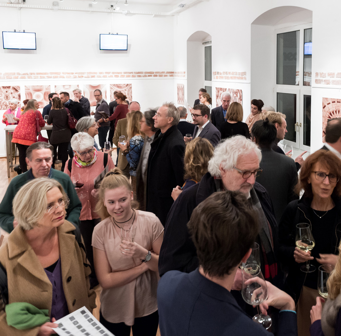 Vernissage: Close to Heaven